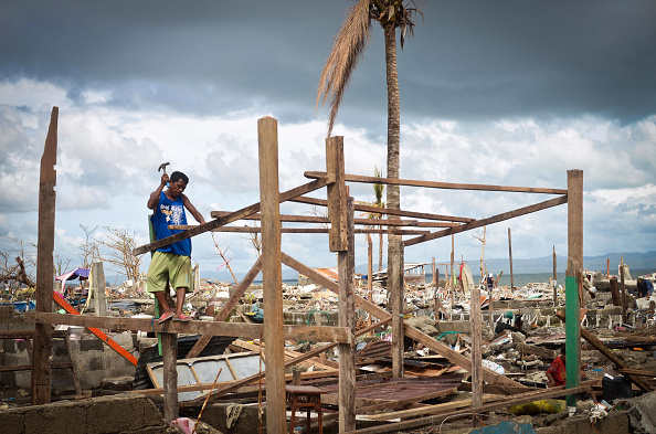 Rebuilding「Humanitarian Efforts Continue Following Devastating Super Typhoon」:写真・画像(3)[壁紙.com]