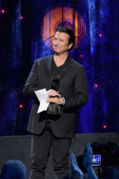 Journey「32nd Annual Rock & Roll Hall Of Fame Induction Ceremony - Show」:写真・画像(8)[壁紙.com]