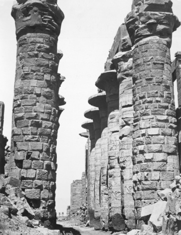 1870-1879「Central alley of the great temple at Karnak, Egypt」:スマホ壁紙(17)