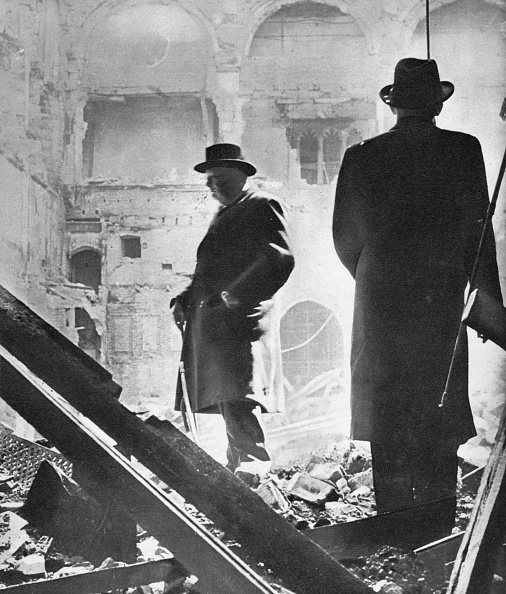 Rubble「Mr. Churchill Contemplates The Ruins Of The House Of Commons, Bombed In May 1941', 1941」:写真・画像(5)[壁紙.com]