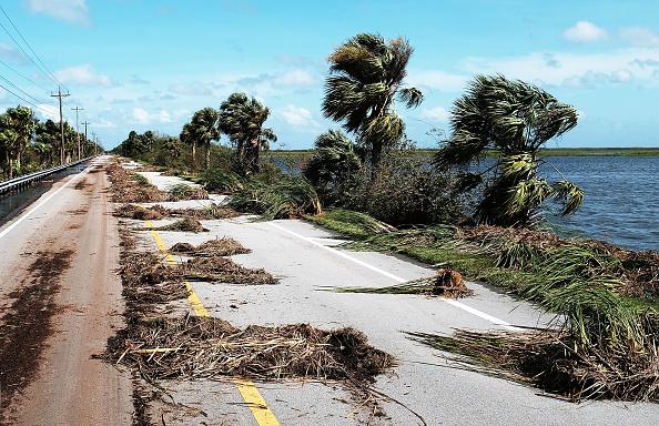 Naples - Florida「Powerful Hurricane Irma Slams Into Florida」:写真・画像(12)[壁紙.com]