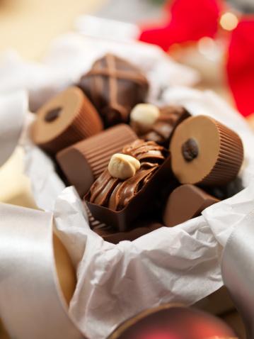 Belgium「Gift Box of Chocolate Truffles」:スマホ壁紙(10)