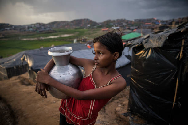 Displaced People「Rohingya Refugees Flood Into Bangladesh」:写真・画像(14)[壁紙.com]