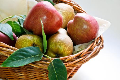 リンゴ「Basket of fruits」:スマホ壁紙(15)