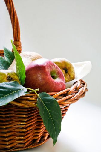 リンゴ「Basket of fruits」:スマホ壁紙(16)
