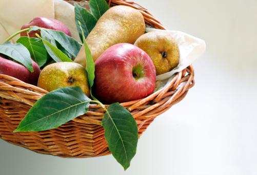 リンゴ「Basket of fruits」:スマホ壁紙(19)