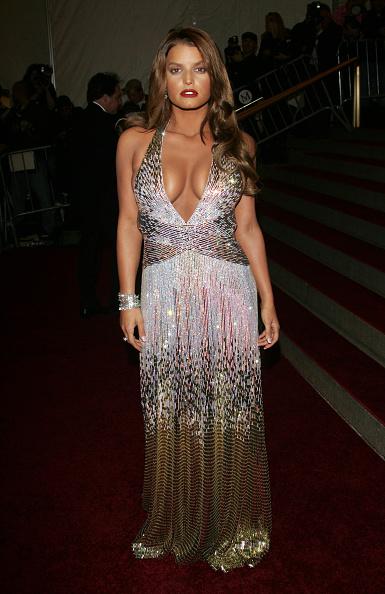 "Jessica Simpson「MET Costume Institute Benefit Gala Presents ""Poiret: King Of Fashion""」:写真・画像(11)[壁紙.com]"