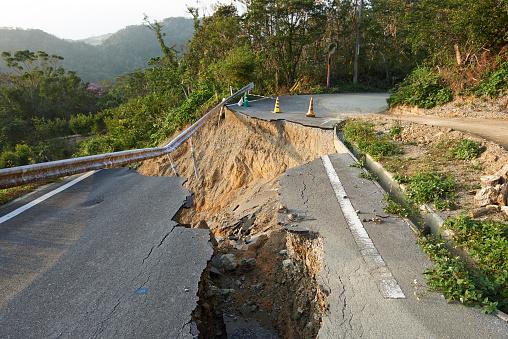 Landslide「Landslide damage caused by typhoons in Okinawa」:スマホ壁紙(3)