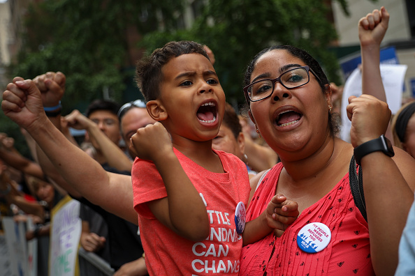 Drew Angerer「World Refugee Day Marked In New York With Protest And March To United Nations And Trump World」:写真・画像(6)[壁紙.com]
