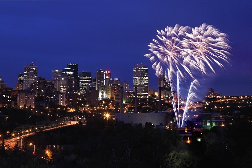 Canada Day「Fireworks over the city」:スマホ壁紙(15)