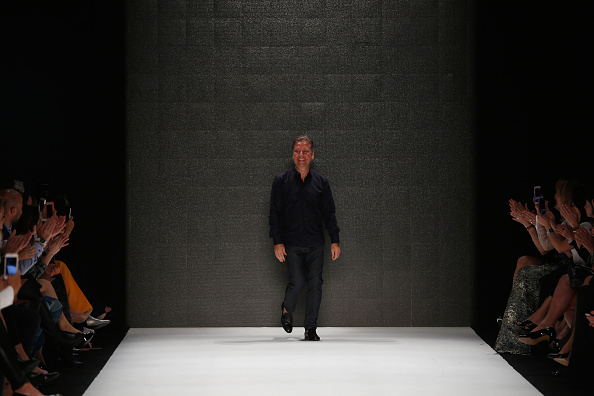 Tristan Fewings「Atil Kutoglu  - Runway - Mercedes-Benz Fashion Week Istanbul   - October 2016」:写真・画像(1)[壁紙.com]