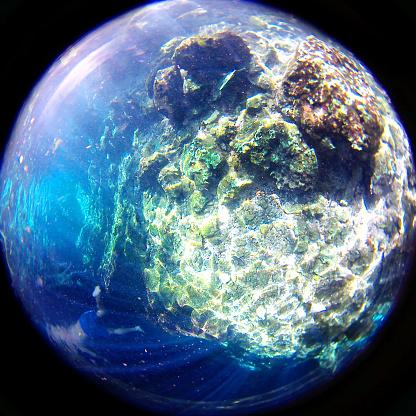 Unrecognizable Person「Swimming underwater in a cenote」:スマホ壁紙(4)
