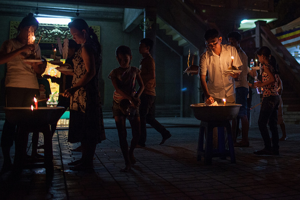 Tradition「Enthusiasts Gather For Pchum Ben Festival」:写真・画像(8)[壁紙.com]