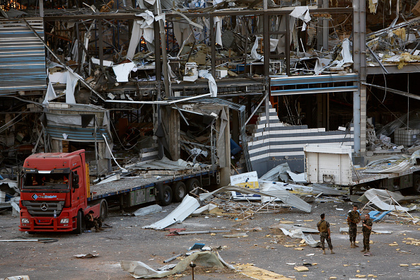 Exploding「Beirut Treats Wounded And Seeks Answers After Deadly Blast」:写真・画像(6)[壁紙.com]