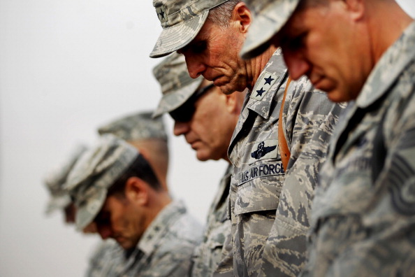 Iraq War 2003-2011「U.S. Military Holds Flag Casing Ceremony In Baghdad As Troops Pullout Of Country」:写真・画像(14)[壁紙.com]