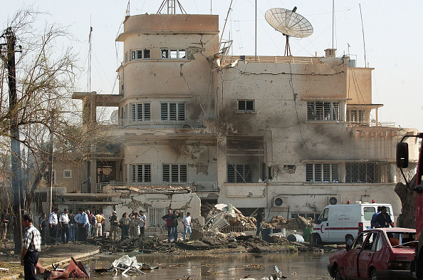 Car Bomb「Bombing On Red Cross HQ In Baghdad Leaves 10 Dead」:写真・画像(1)[壁紙.com]