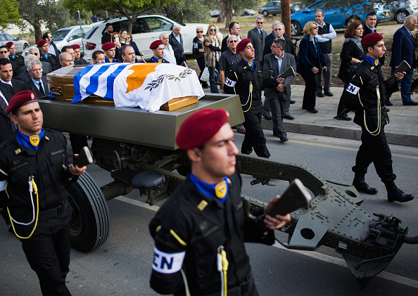 Republic Of Cyprus「Mourners Pay Their Respects To Former Cypriot President Glafcos Clerides Who Died Aged 94」:写真・画像(7)[壁紙.com]