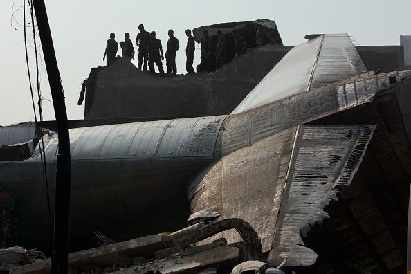 Ed Wray「Transport Plane Crashes In Indonesia」:写真・画像(15)[壁紙.com]