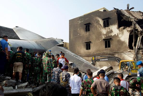 Ed Wray「Transport Plane Crashes In Indonesia」:写真・画像(12)[壁紙.com]