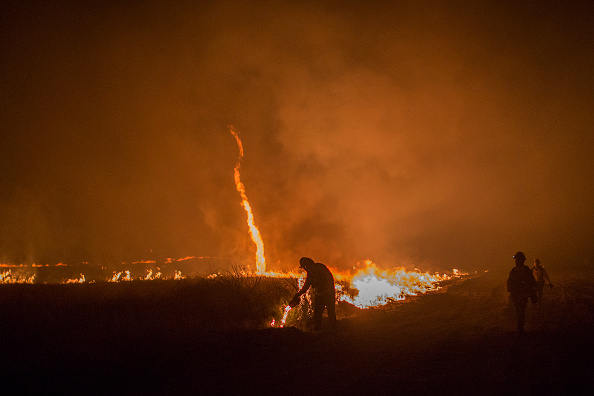 Blow Torch「Southern California Wildfires Forces Thousands to Evacuate」:写真・画像(4)[壁紙.com]