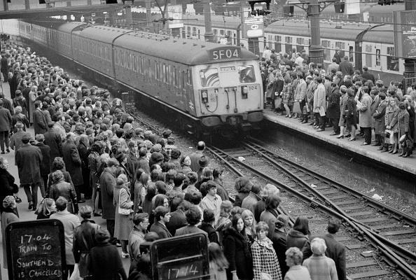 Electric Train「Rush Hour」:写真・画像(8)[壁紙.com]
