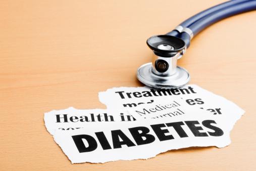 Diabetes「Diabetes headlines with stethoscope on desk」:スマホ壁紙(19)