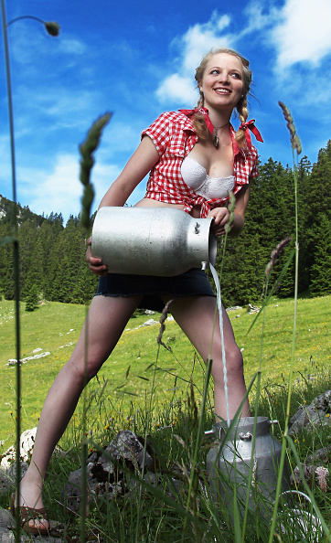 カレンダー「Making Off German Farmers Calendar 2012」:写真・画像(4)[壁紙.com]