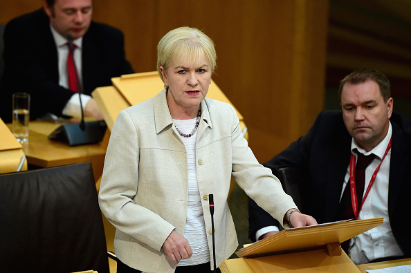 Jeff J Mitchell「Alex Salmond Takes First Minister's Questions」:写真・画像(2)[壁紙.com]