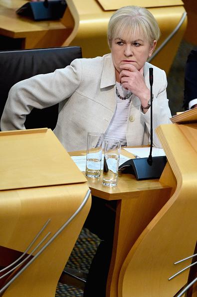 Jeff J Mitchell「Alex Salmond Takes First Minister's Questions」:写真・画像(1)[壁紙.com]