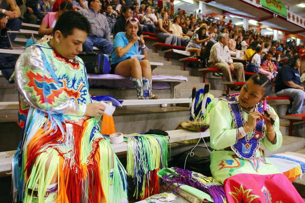 Phillippe Diederich「Gathering Of Nations Powow Held In Albuquerque」:写真・画像(6)[壁紙.com]