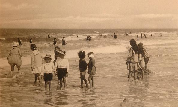 Rowing「Enfants Au Bain」:写真・画像(0)[壁紙.com]