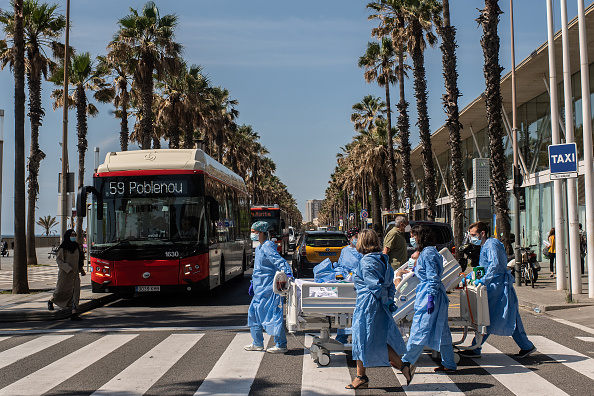 Barcelona - Spain「Barcelona Hospital Takes Recovering Coronavirus Patients To The Seaside」:写真・画像(3)[壁紙.com]