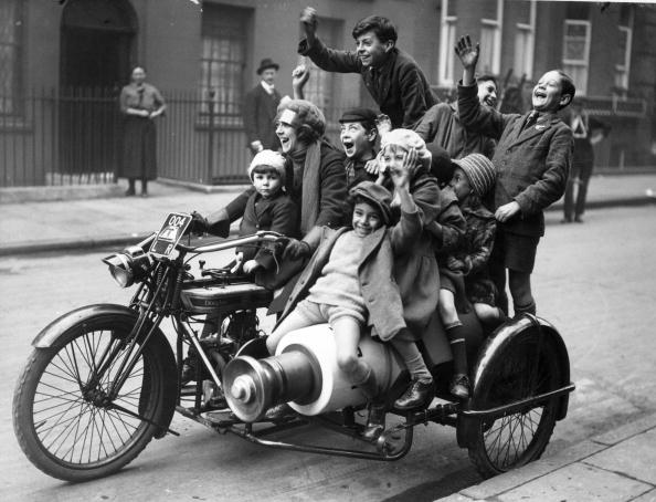 Cheerful「Motorcycle Ride」:写真・画像(14)[壁紙.com]