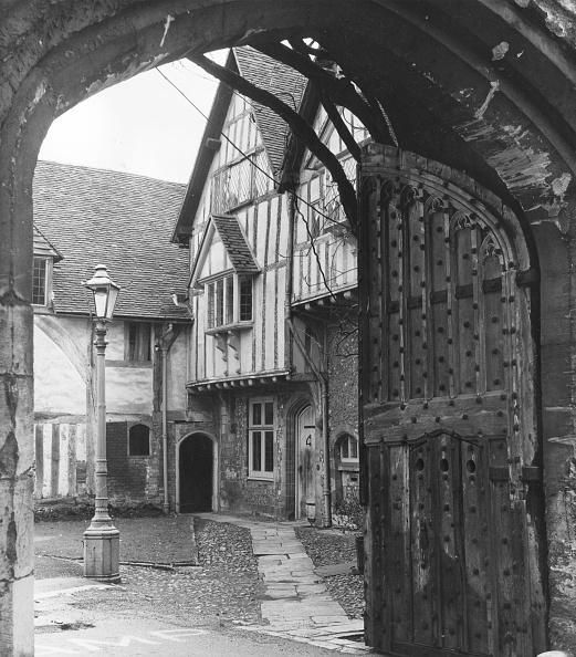 George Freston「Old Winchester」:写真・画像(14)[壁紙.com]