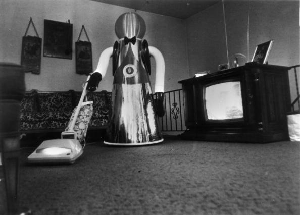 Photoshot「Hoovering Robot」:写真・画像(5)[壁紙.com]