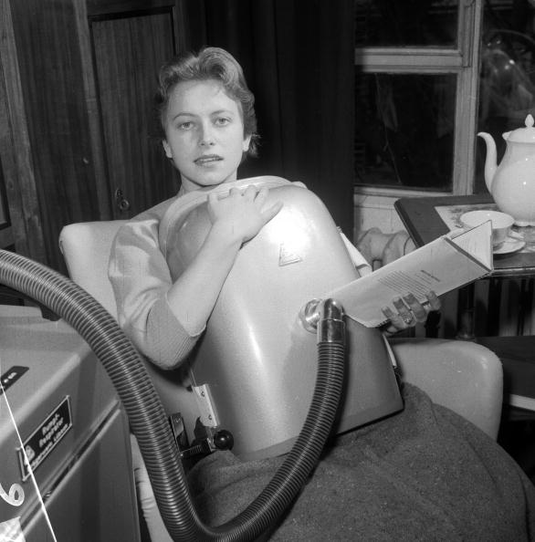 Black And White「Portable Respirator」:写真・画像(10)[壁紙.com]