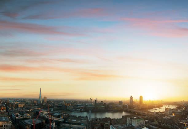 Sunset view across London:スマホ壁紙(壁紙.com)