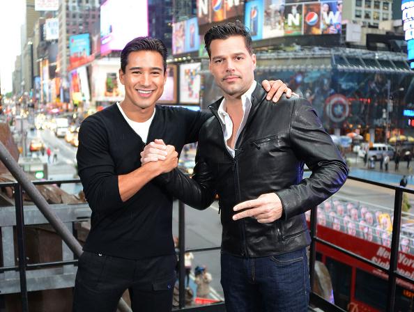 """Mario Lopez「""""Extra"""" host Mario Lopez Interviews Ricky Martin」:写真・画像(17)[壁紙.com]"""