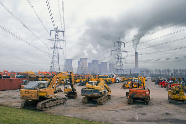 Overcast「Plant hire equipment for sale on auction yard with power station in background, England, UK」:写真・画像(15)[壁紙.com]