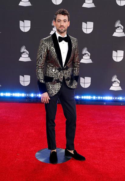Loafer「20th Annual Latin GRAMMY Awards - Arrivals」:写真・画像(16)[壁紙.com]