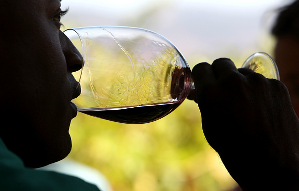Drinking Glass「Organic Winery In Napa Valley Begins In Harvest」:写真・画像(19)[壁紙.com]