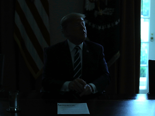 Black Color「President Trump Meets With Members Of Congress In The White House Cabinet Room」:写真・画像(1)[壁紙.com]