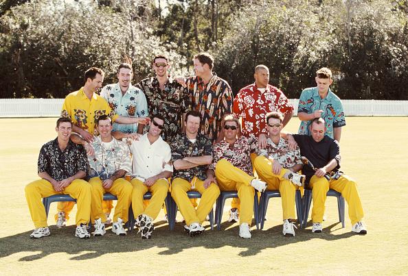 Adam Gilchrist「Australia One Day Squad in Hawaiian Shirts 1999」:写真・画像(2)[壁紙.com]