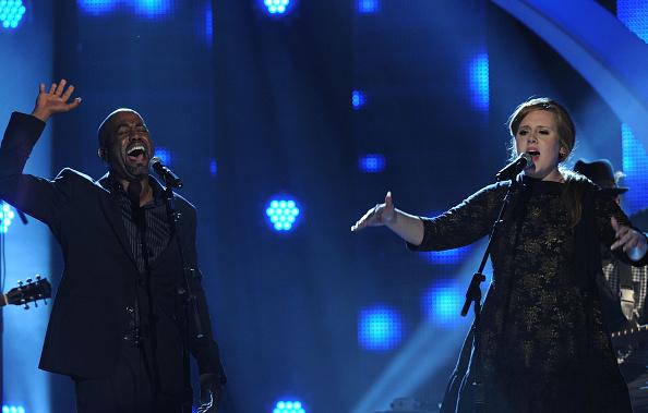 Adele - Singer「CMT Artists of the Year - Show」:写真・画像(19)[壁紙.com]