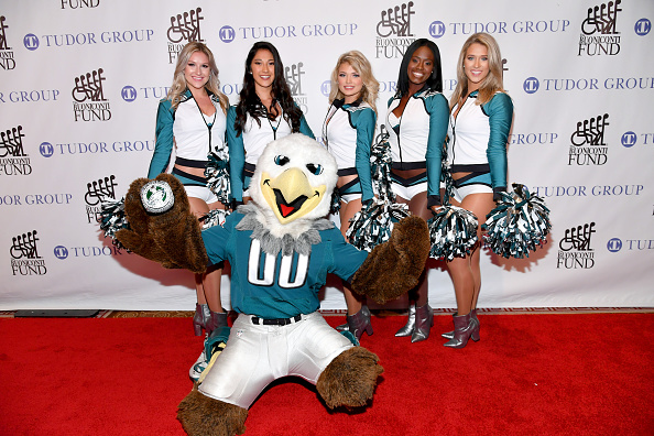 Philadelphia Eagles「33rd Annual Great Sports Legends Dinner To Benefit The Buoniconti Fund To Cure Paralysis - Arrivals」:写真・画像(11)[壁紙.com]