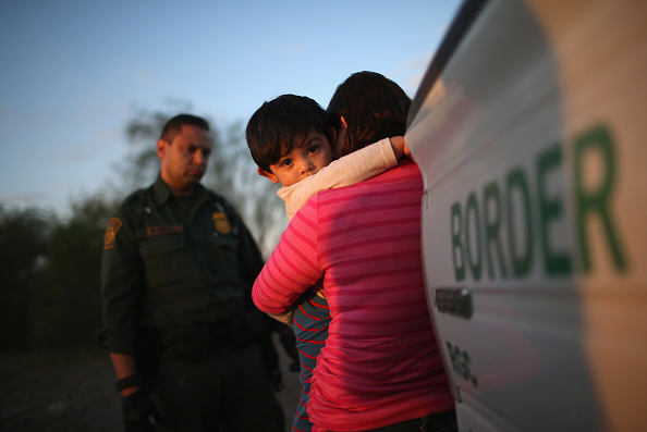 John Moore「Border Security Remains Key Issue In Presidential Campaigns」:写真・画像(13)[壁紙.com]