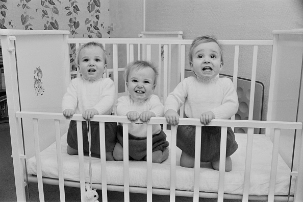 Three People「Turley Triplets」:写真・画像(9)[壁紙.com]