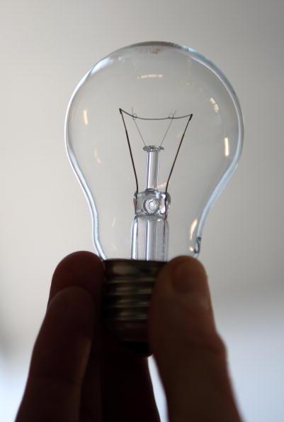 Light Bulb「Lightbulb Production At Philips」:写真・画像(15)[壁紙.com]