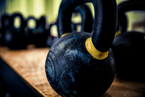 Heavy「gym Kettlebell close-up at gym」:スマホ壁紙(14)