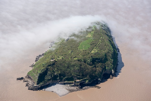 Low「Low Cloud Over The Island Of Steep Holm」:写真・画像(15)[壁紙.com]